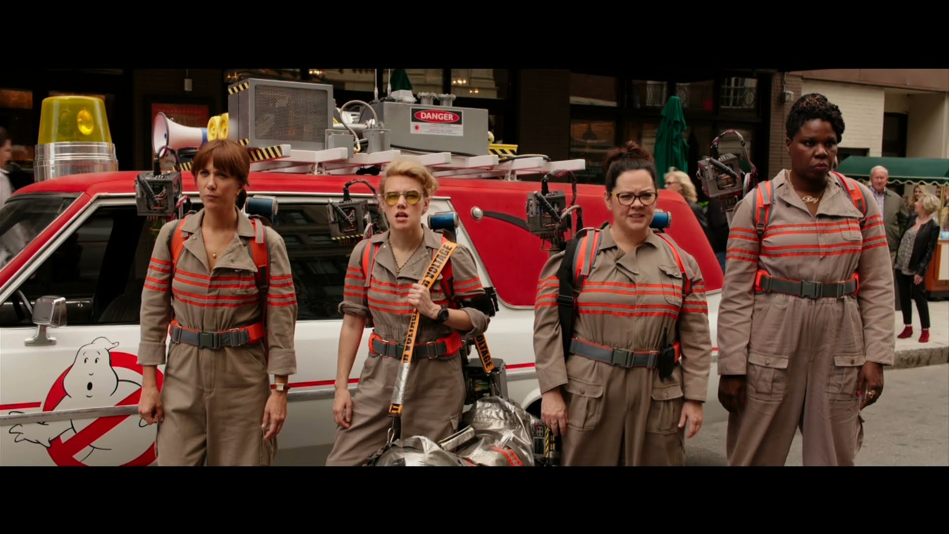 Behind the Scenes of the new Ghostbusters!